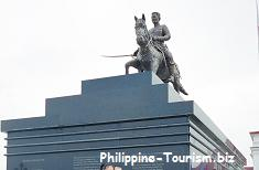 Emilio Aguinaldo Monument in front of Aguinaldo Mansion
